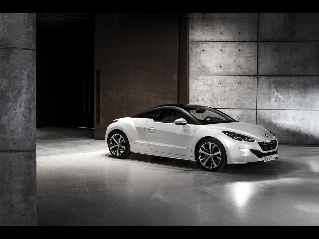 2013 peugeot rcz sports coupe knuckledragger magazine. Black Bedroom Furniture Sets. Home Design Ideas
