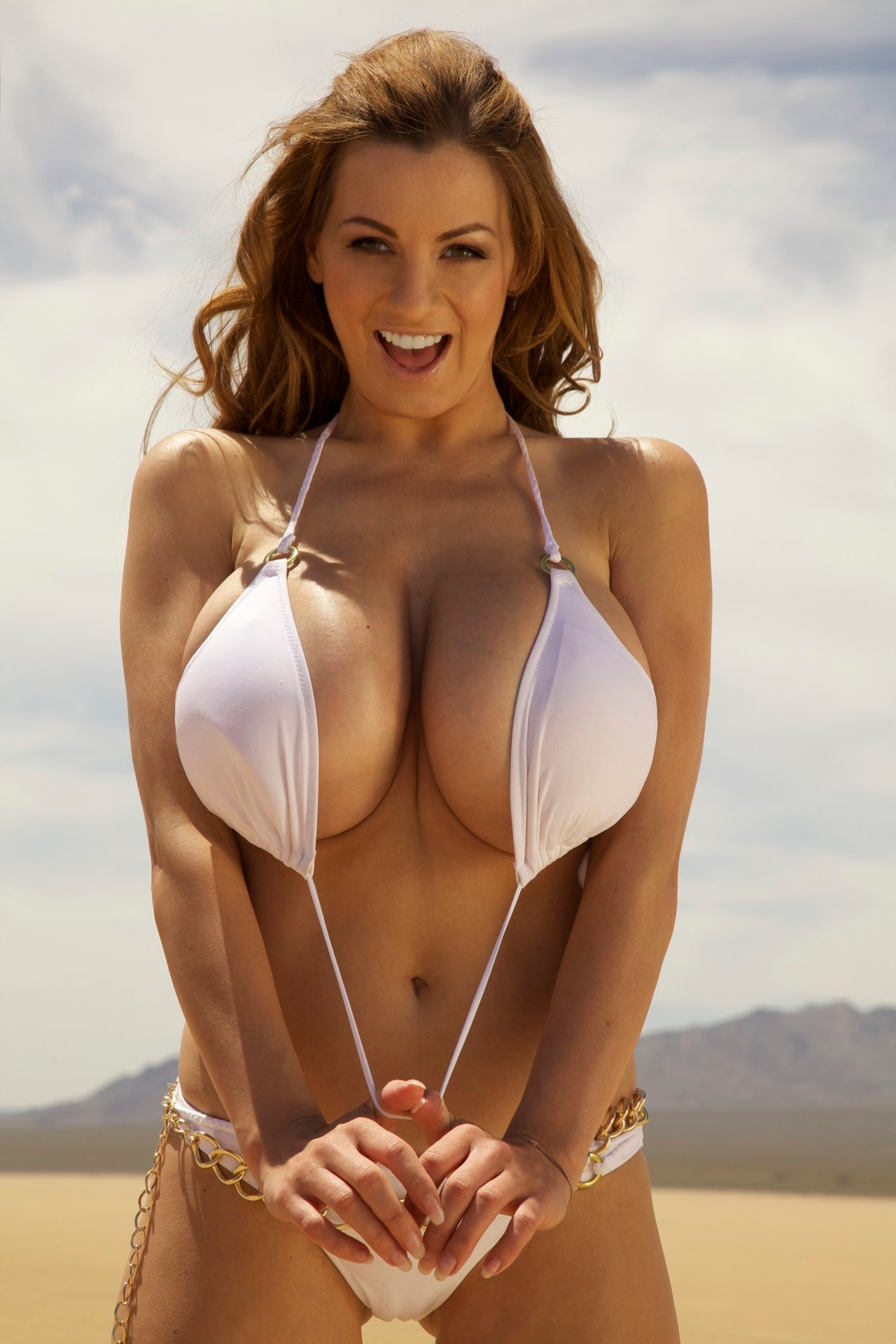Jordan Carver Knuckle Dragger Magazine Glamour Model