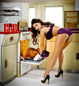 Lucy Pinder Cooks us some Turkey. Now that's worth putting on the Food Network