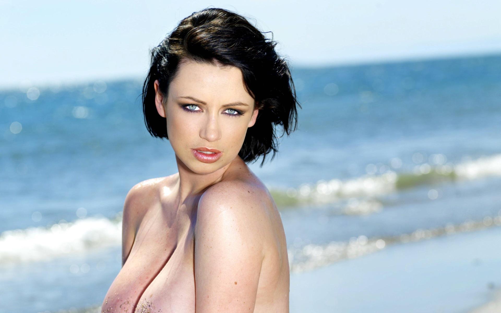 Sophie Howard Glamour Model (17)