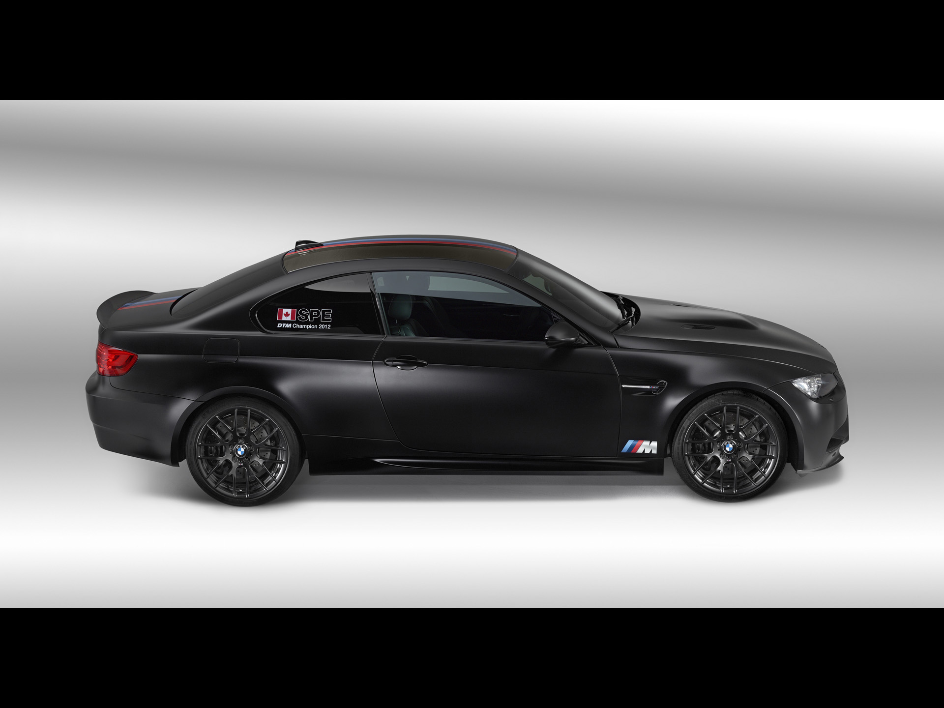 pics of fast cars 2013-BMW-M3-DTM-Champion-Edition-Studio-2-1920×1440