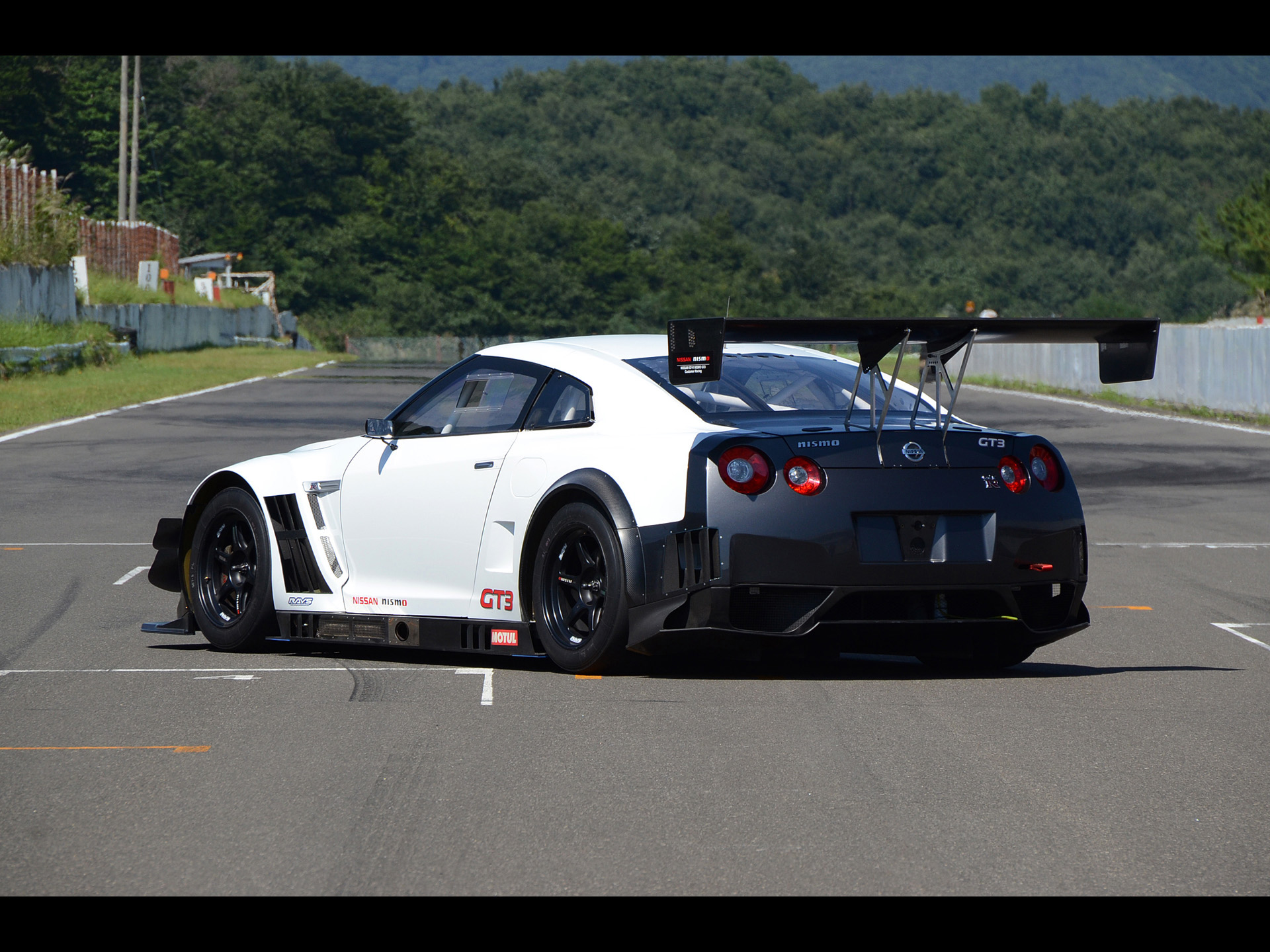 Good Pics Of Fast Cars 2013 Nissan GT R Nismo GT3 Static 2 1920×1440 Pictures