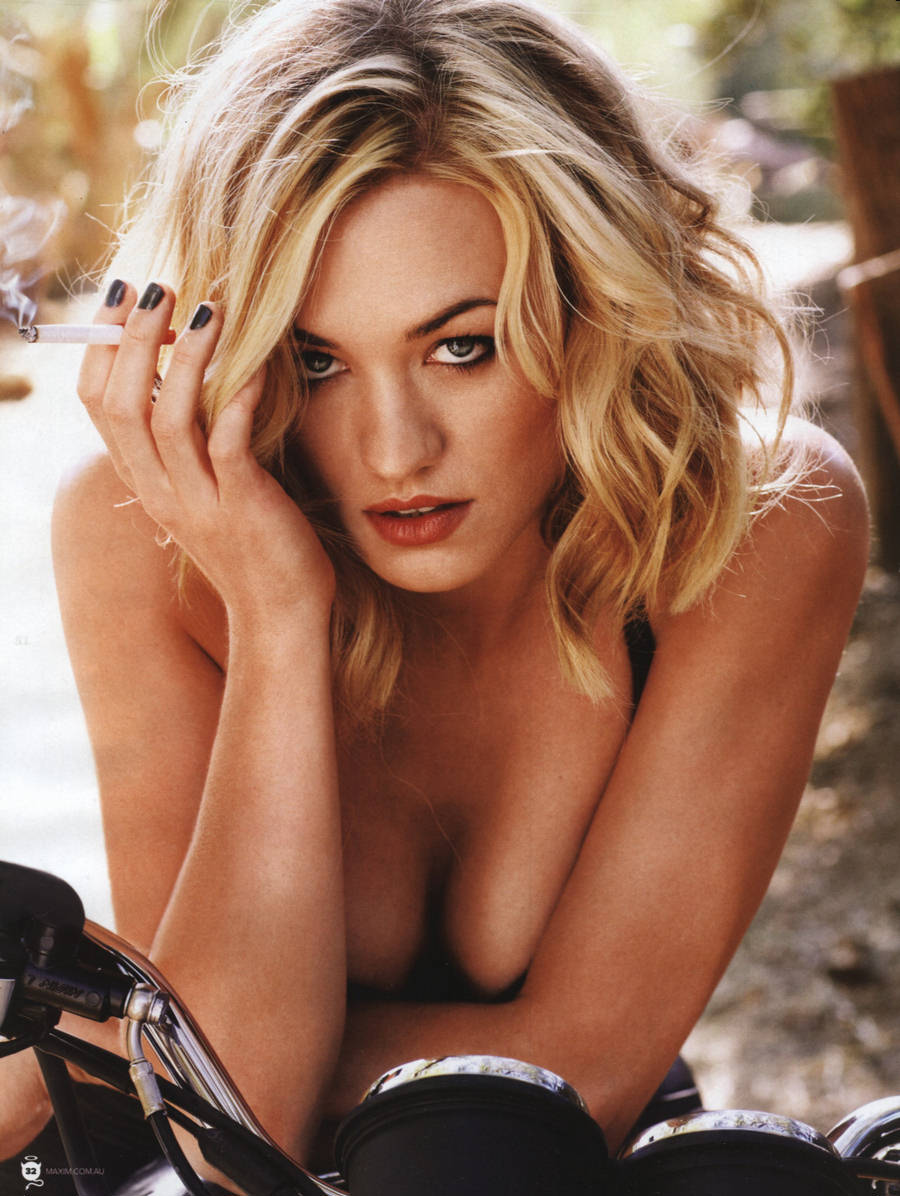http://kdmag.files.wordpress.com/2013/02/yvonne-strahovski-knuckler-dragger-magazine-14.jpg