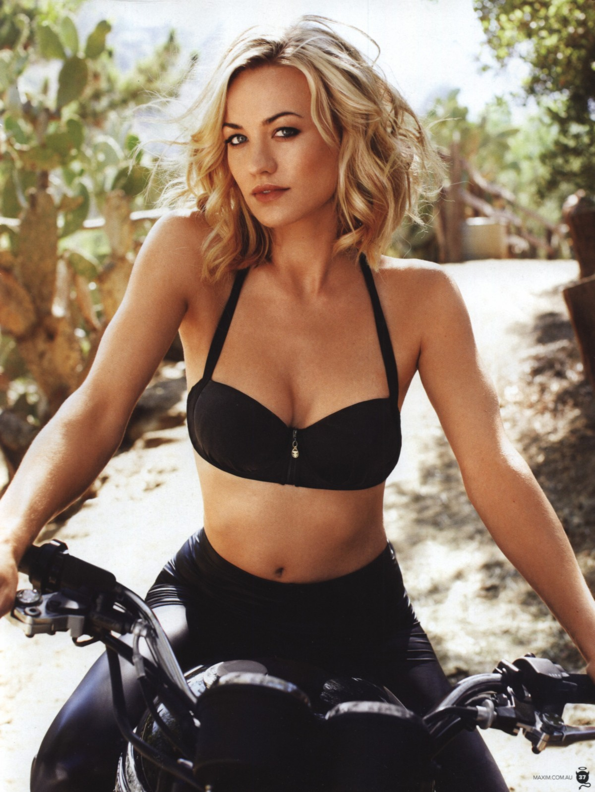 http://kdmag.files.wordpress.com/2013/02/yvonne-strahovski-knuckler-dragger-magazine-8.jpg?w=1200