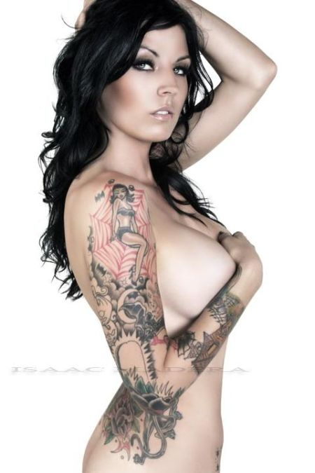 Salutations kissiennes. - Page 22 Girls-with-tattoos-vol-2-12