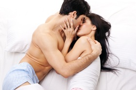Romance-of-romantic-couple-in-bed-room